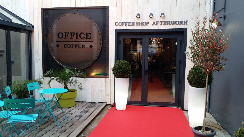 entrée à l'afterwook office coffee dans une ambiance Jazz/Lounge