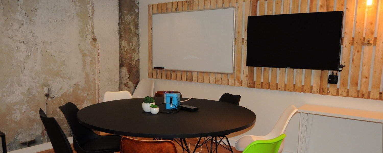 Bureau Ponctuel Office Coffee
